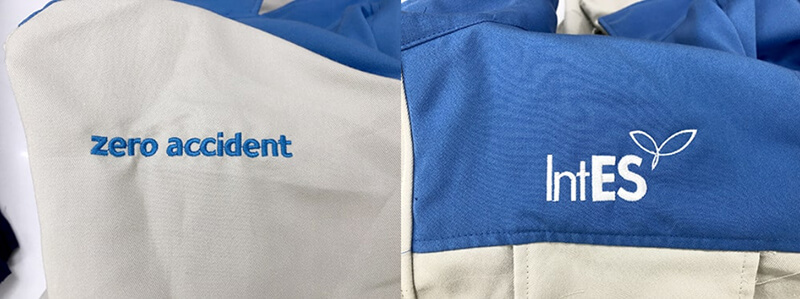 Logo thêu ngực và tay phải áo