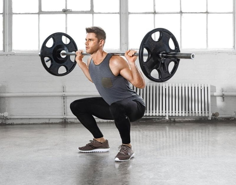 Quần áo thể thao để tập gym cần có độ co giãn và thấm hút mồ hôi tốt