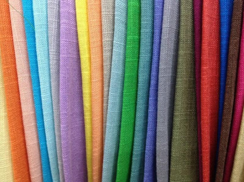 Vải lanh rất thích hợp để may đầm váy mặc vào mùa hè