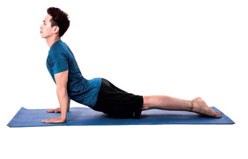 Quần áo tập Yoga cũng cần độ co giãn cao