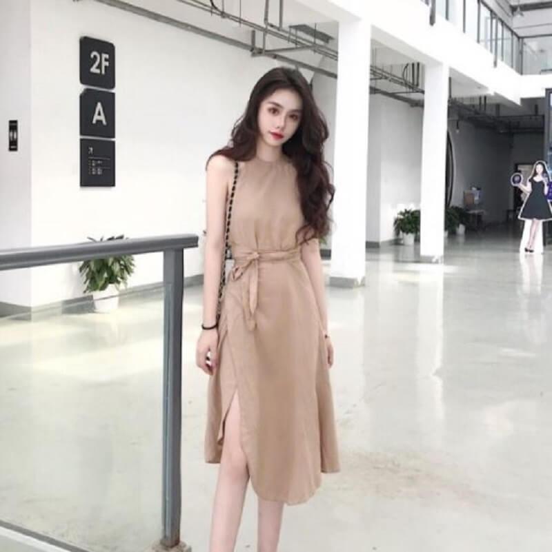 Đầm cổ yếm xẻ tà hiện đại, quý phái cho nàng công sở