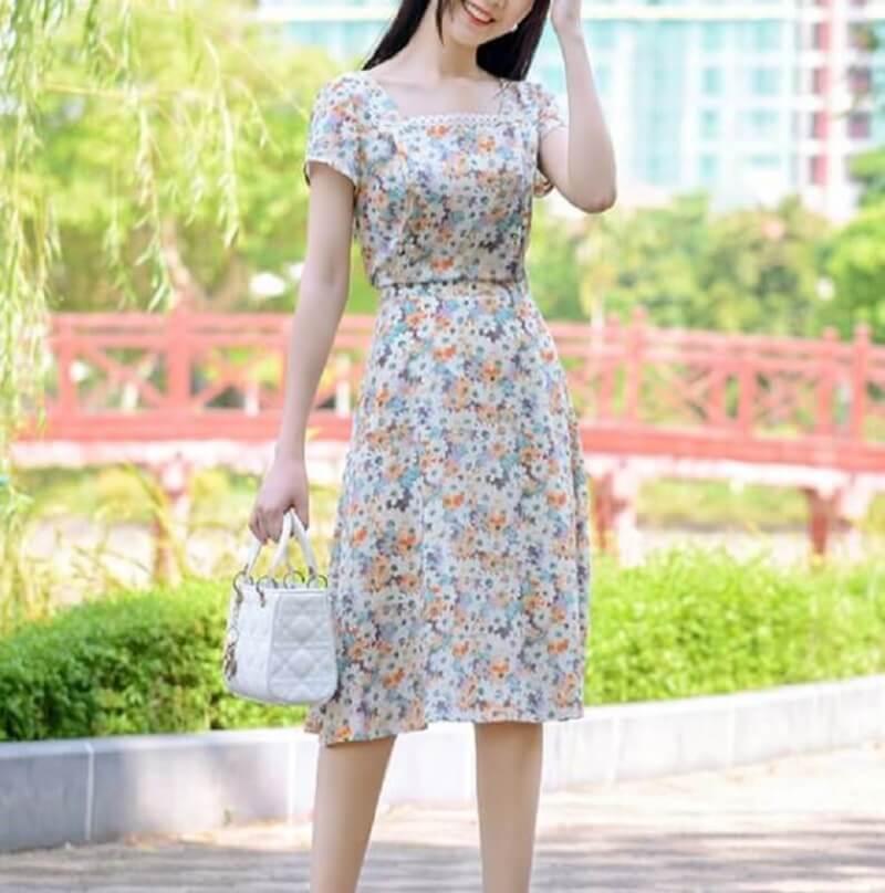 Váy xòe họa tiết nữ tính, dịu dàng