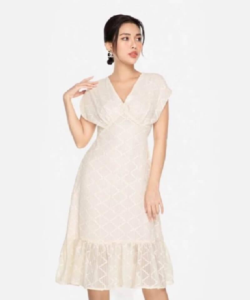 Váy liền thân phối ren quyến rũ, phong cách
