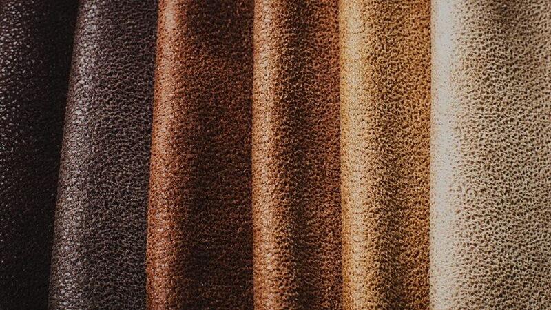 Suede là gì? Ưu nhược điểm của loại vải này trong ngành thời trang