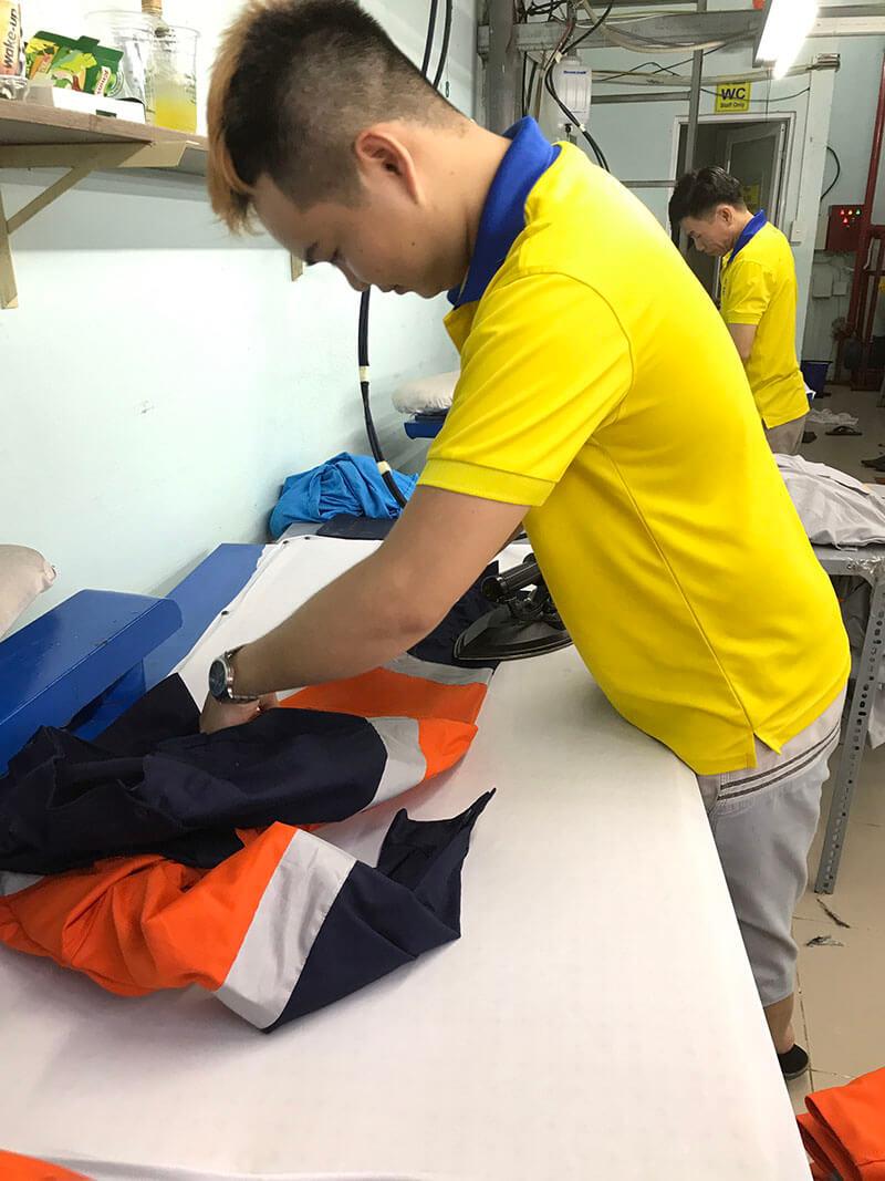Dony hoàn thành sản phẩm áo bảo hộ lao động VSL