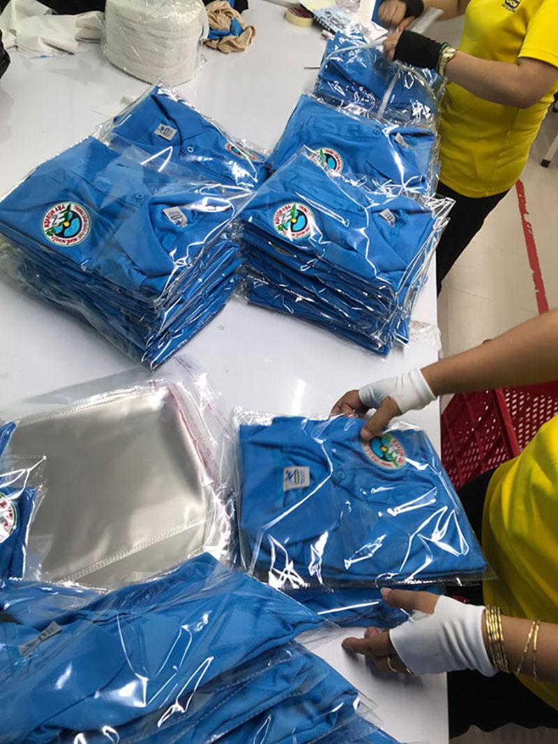 Quy trình đóng gói xuất xưởng áo thun đồng phục Trung tâm giáo dục nghề nghiệp Tây Nguyên