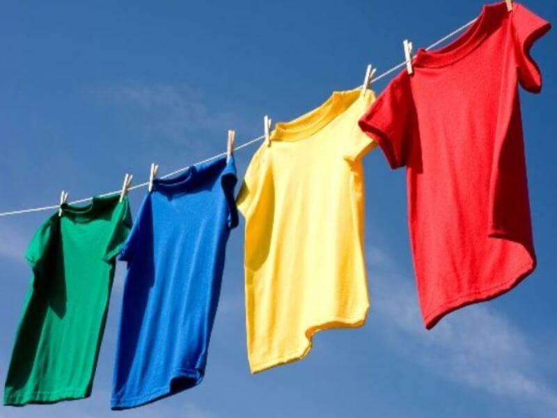 phơi quần áo làm từ vải thun đúng cách